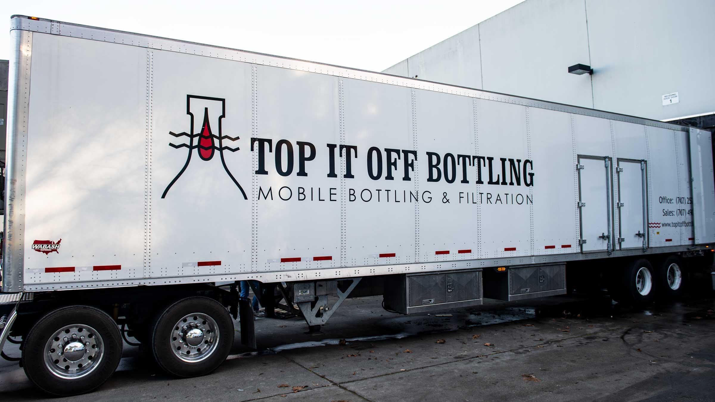 top-it-off-bottling_line-4